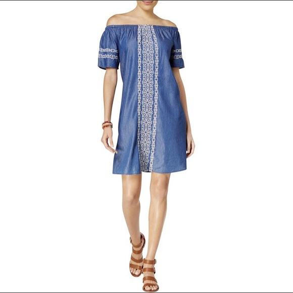 bba7df214e80 Style   Co denim embroidered dress. M 5b4036144ab6334029765573